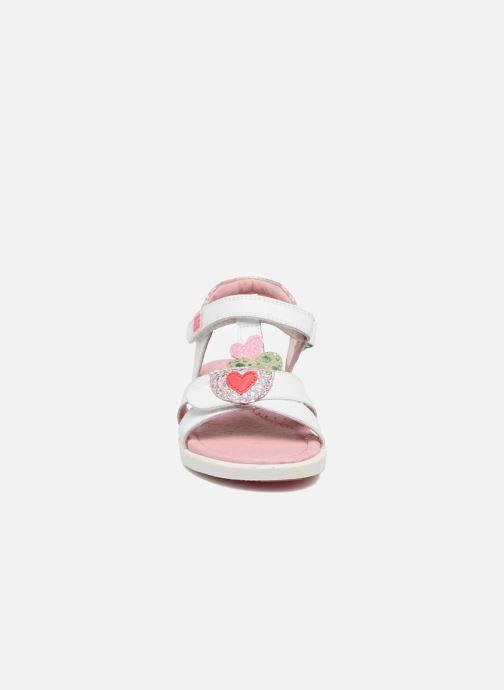 Sandales et nu-pieds Agatha Ruiz de la Prada Aitana Blanc vue portées chaussures