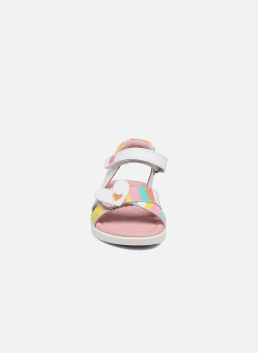 Sandales et nu-pieds Agatha Ruiz de la Prada Aitana 2 Blanc vue portées chaussures