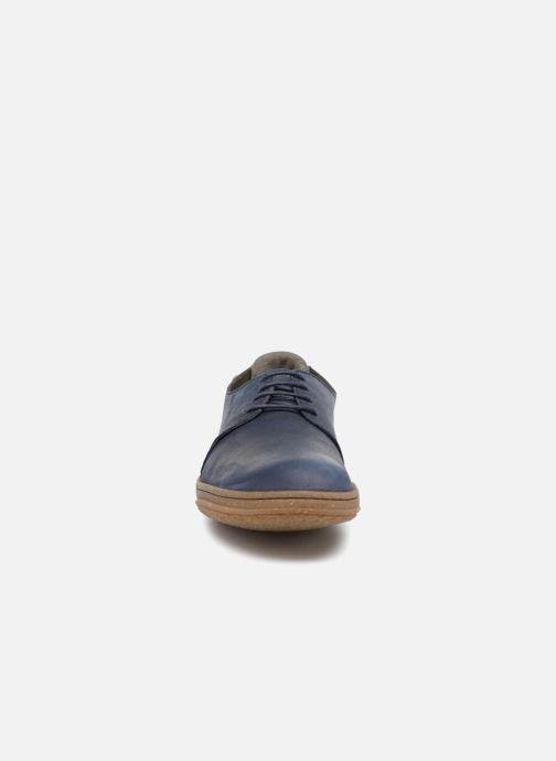Sneakers El Naturalista Amazonas N5381 Azzurro modello indossato