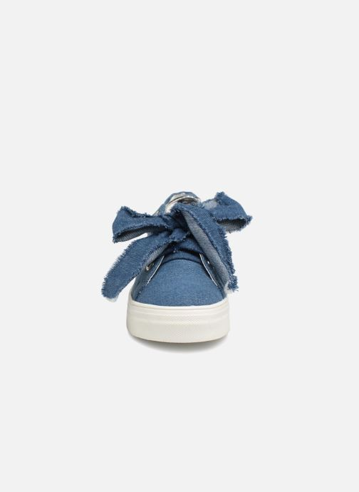 Trainers ASSO Giulia Blue model view