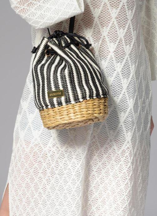 Handtaschen Gioseppo Seau rayé schwarz ansicht von unten / tasche getragen