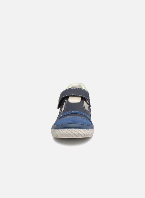 Sandalias Bopy Noba Sk8 Azul vista del modelo