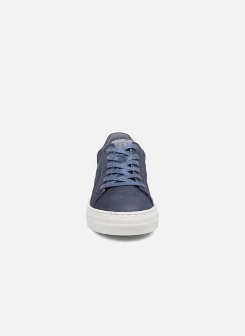 Baskets Bullboxer Alfio Bleu vue portées chaussures