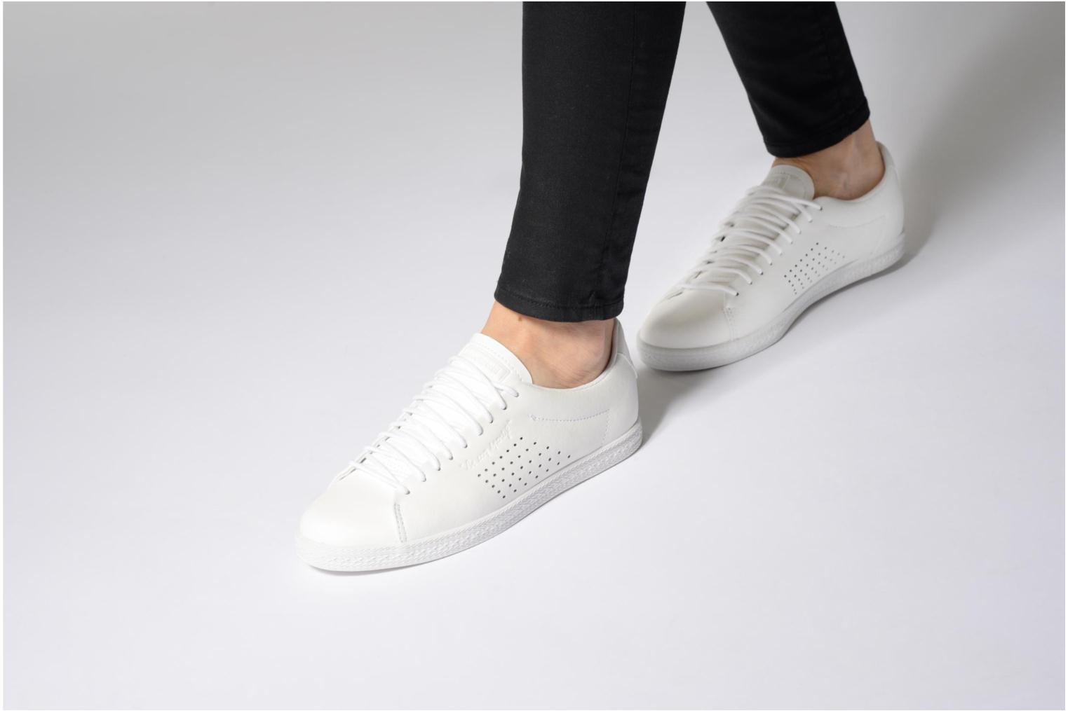 Trainers Le Coq Sportif Charline Leather White view from underneath / model view