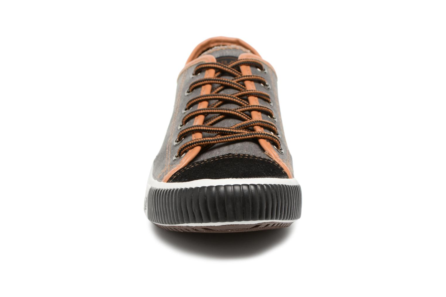 Trainers Kaporal Dona Black model view