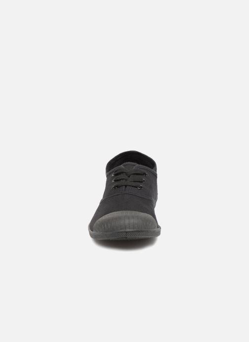 Sneaker Kaporal Fily schwarz schuhe getragen
