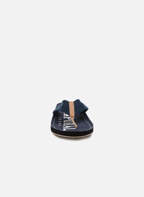 Tongs Kaporal Taino Bleu vue portées chaussures
