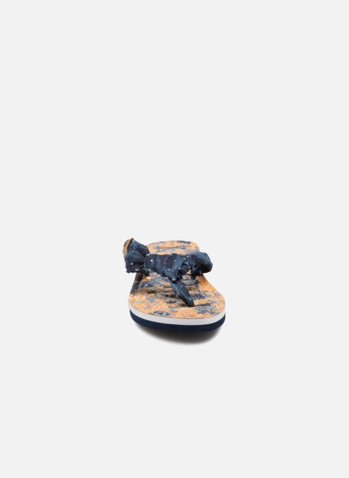 Tongs Kaporal Takine Bleu vue portées chaussures