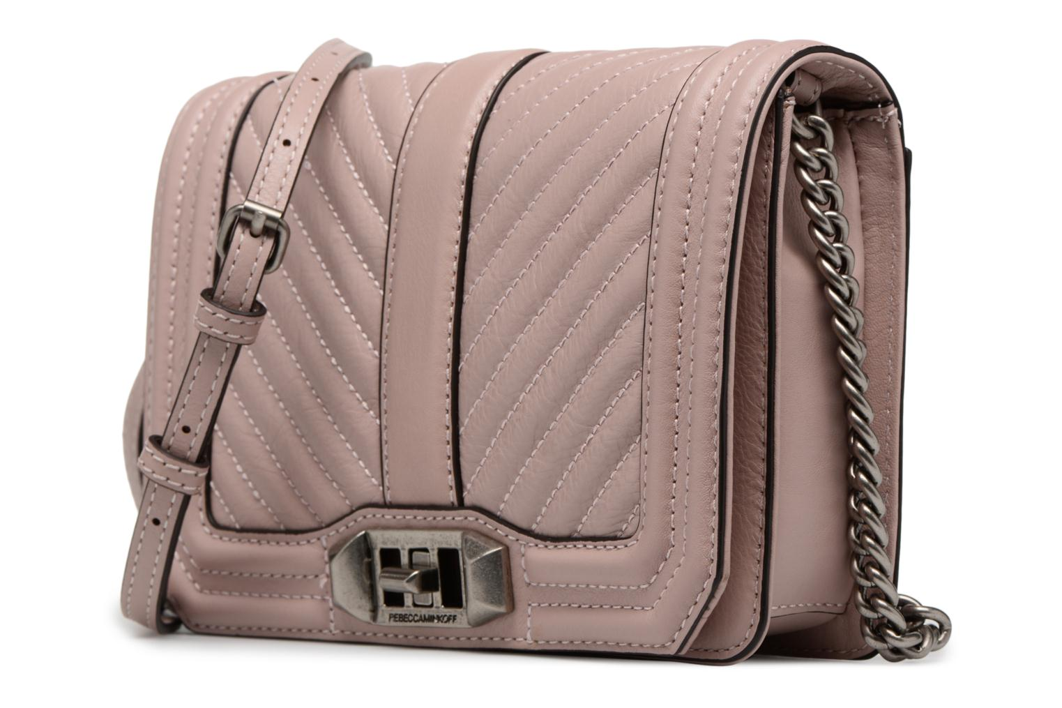 Sacs à main Rebecca Minkoff Chevron Quilted Small Love Crossbody Rose vue portées chaussures