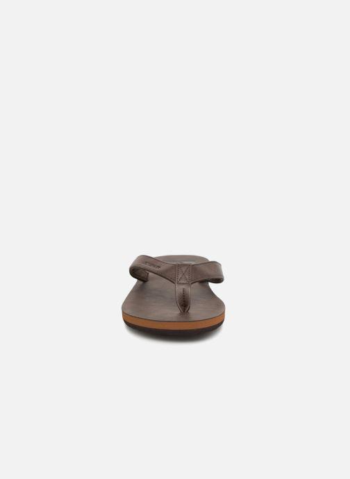Zehensandalen Quiksilver Molokai Nubuck braun schuhe getragen