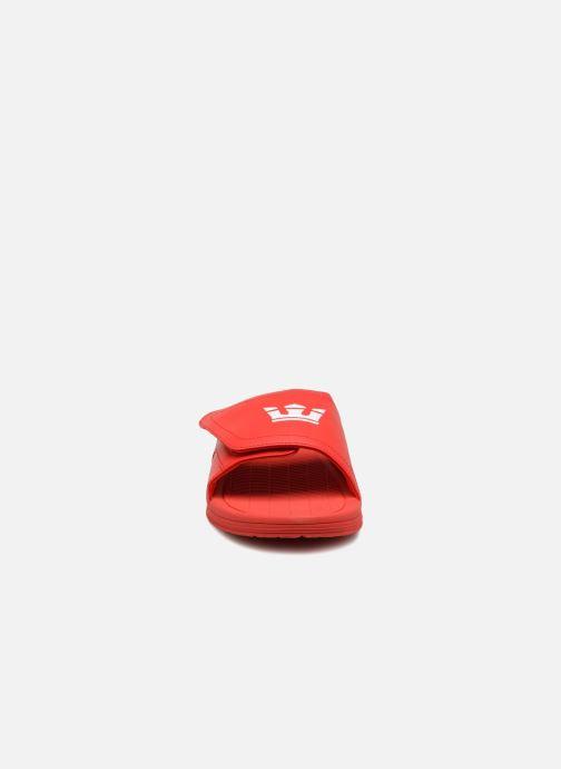 Sandales et nu-pieds Supra Locker Rouge vue portées chaussures