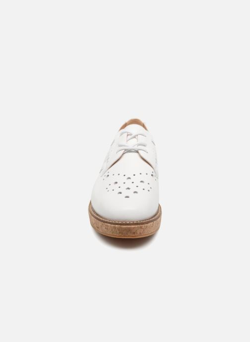 Chaussures à lacets Schmoove Woman Ariane Derby Blanc vue portées chaussures