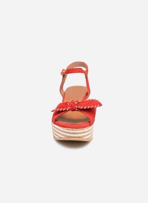 Sandales et nu-pieds Schmoove Woman Ariel Ankle Metal Milled Rouge vue portées chaussures