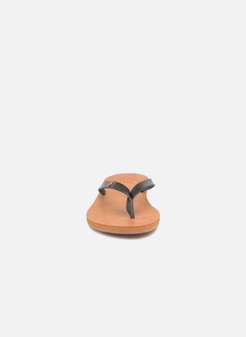 Tongs Roxy Jyll II Noir vue portées chaussures