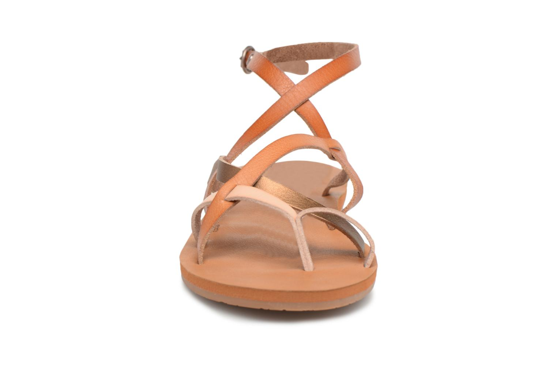 Sandales et nu-pieds Roxy Julia Marron vue portées chaussures