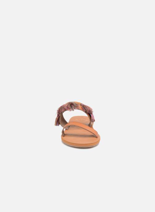 Sandales et nu-pieds Roxy Izzy Marron vue portées chaussures