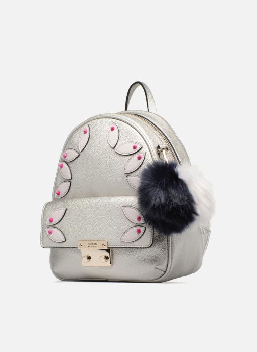 Zaini Guess Varsity Pop Small Backpack Argento modello indossato