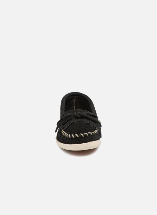 Slipper Minnetonka Newportmoc schwarz schuhe getragen