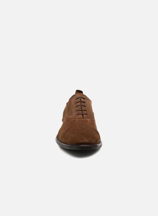 Scarpe con lacci Marvin&Co Duck Marrone modello indossato