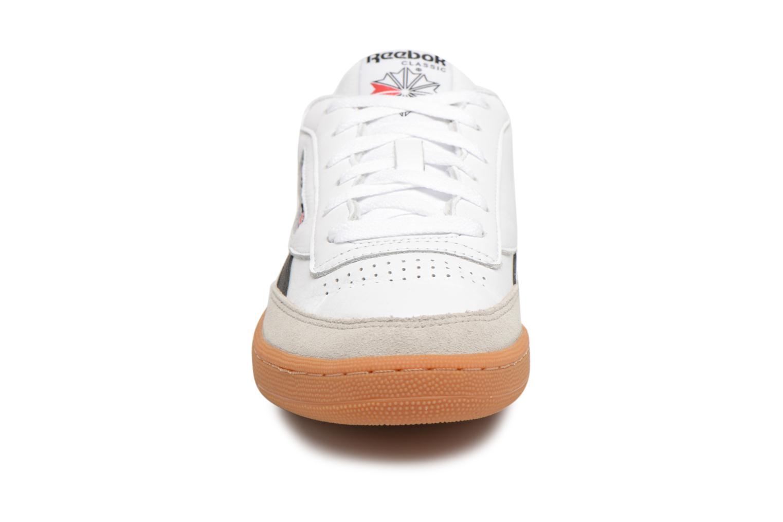 Baskets Reebok Revenge Plus Gum Blanc vue portées chaussures