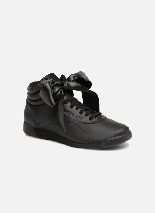 818b173f0f40a Reebok Freestyle Hi Satin Bow (Noir) - Baskets chez Sarenza (315904)