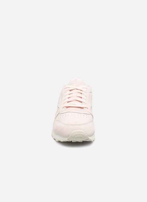 Sneakers Reebok Classic Leather Shimmer Rosa modello indossato