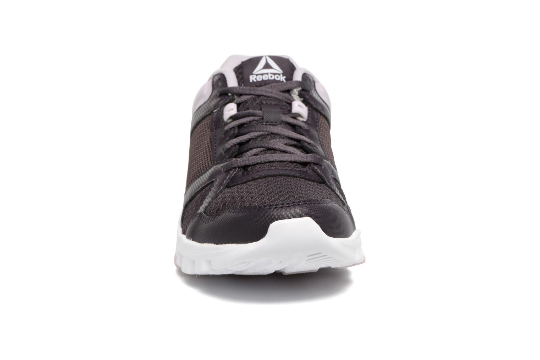 Chaussures de sport Reebok Yourflex Trainette 10 Mt Violet vue portées chaussures