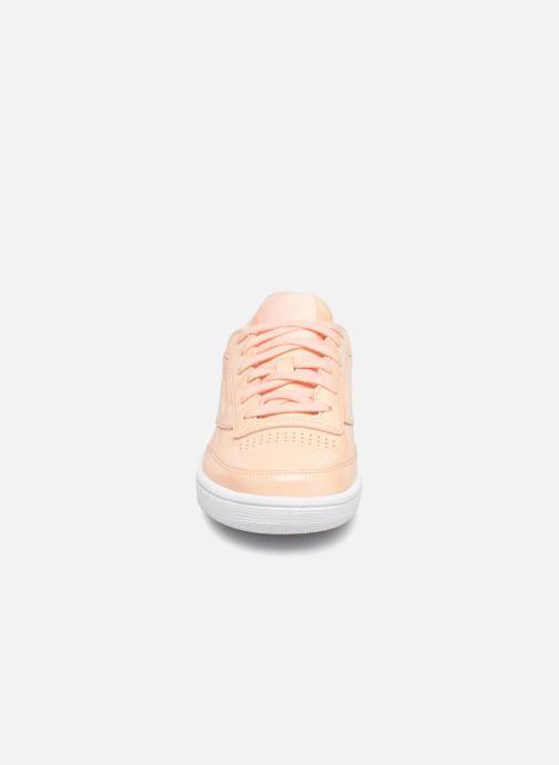Baskets Reebok Club C 85 Patent Rose vue portées chaussures