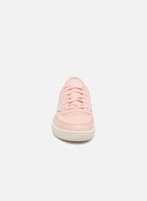 Baskets Reebok Club C 85 Dcn Rose vue portées chaussures