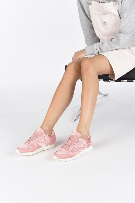 Trainers Reebok ClassicLeather Satin Pink view from underneath / model view