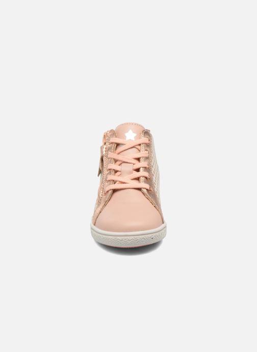 Baskets Babybotte Adrenalina Beige vue portées chaussures