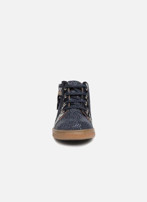 Baskets Babybotte Adrenalina Bleu vue portées chaussures