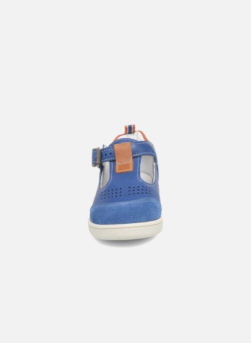 Botines de verano Babybotte Siroco Azul vista del modelo