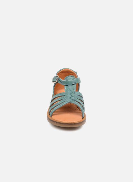Sandalias Babybotte Tourbillon Azul vista del modelo