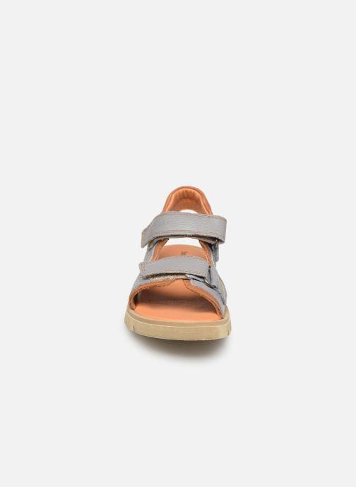Sandales et nu-pieds Babybotte Krumble Gris vue portées chaussures
