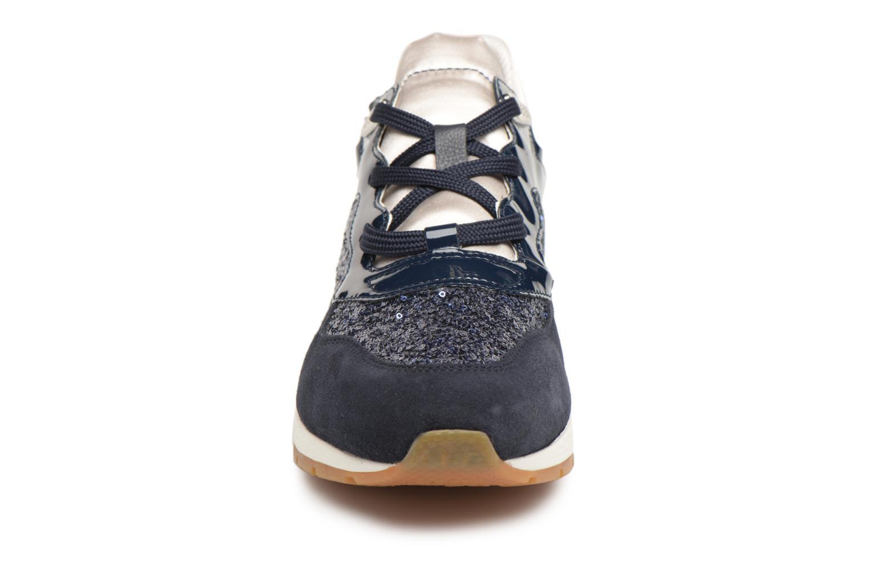 Baskets Geox D SHAHIRA B-1 D62N1B Bleu vue portées chaussures