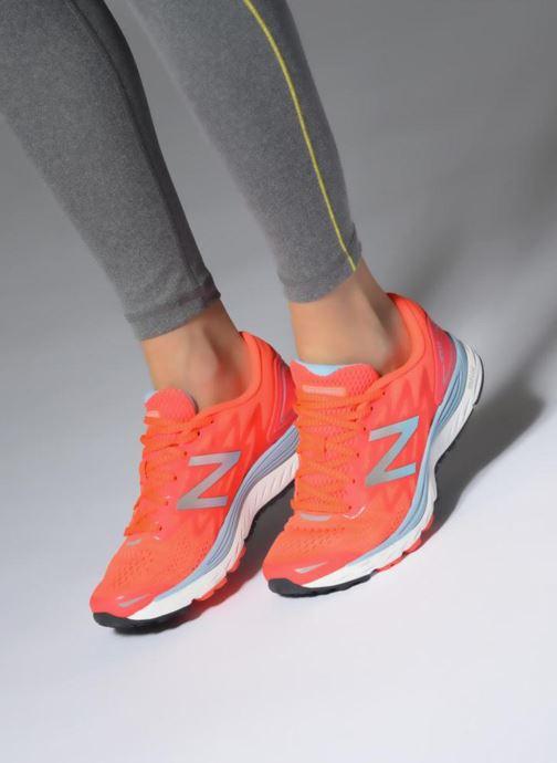 Chaussures de sport New Balance WSOLV Orange vue bas / vue portée sac