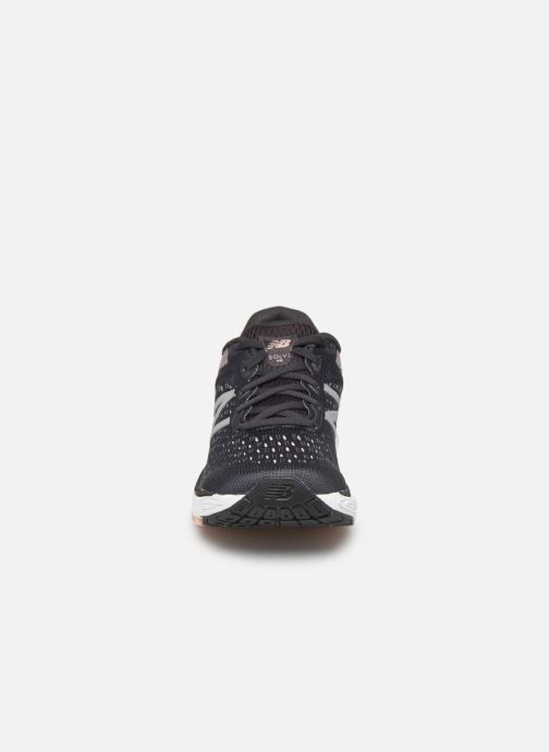 Chaussures de sport New Balance WSOLV Noir vue portées chaussures