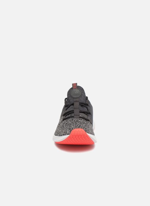 Zapatillas de deporte New Balance WLAZR Gris vista del modelo