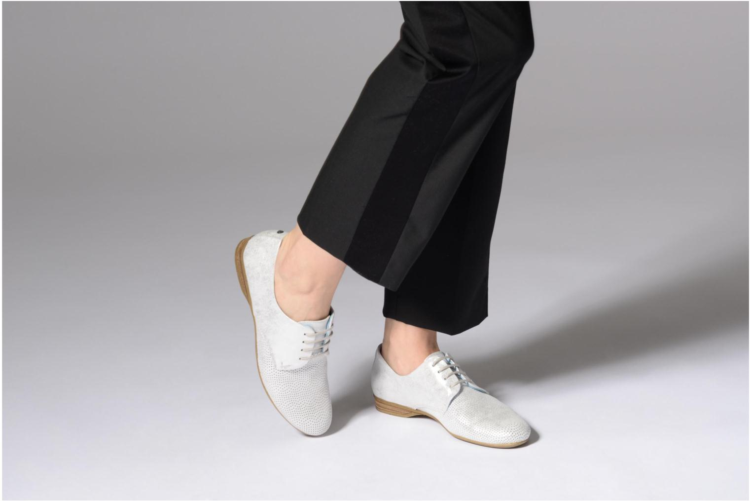 Lace-up shoes Dorking Candy 7400 Grey view from underneath / model view