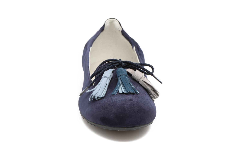 Ballerines Dorking Telma 7443 Bleu vue portées chaussures