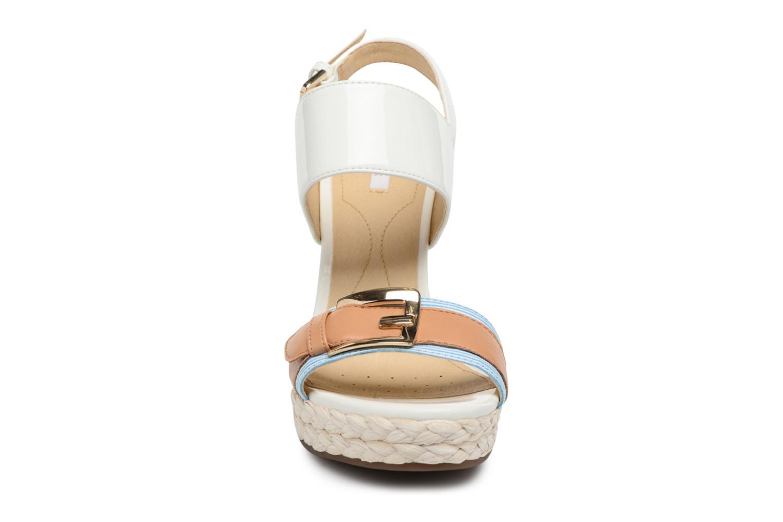 Sandales et nu-pieds Geox D JANIRA E D82P6E Blanc vue portées chaussures