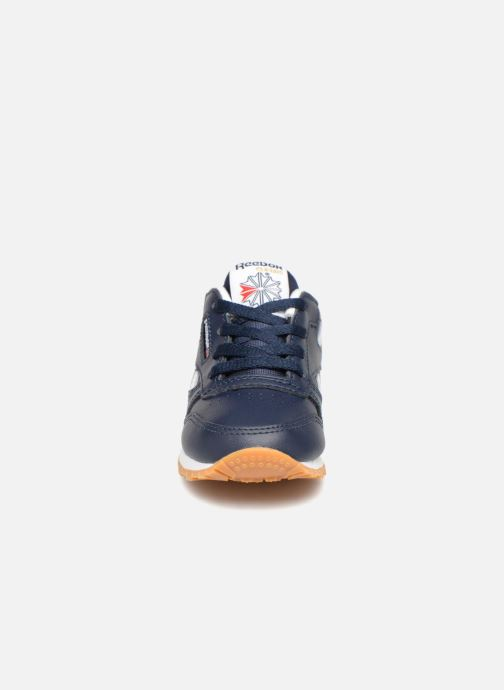 Sneakers Reebok Classic Leather I Azzurro modello indossato