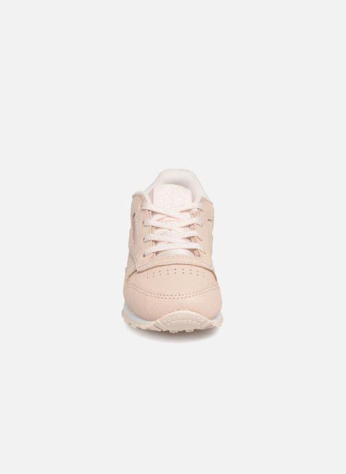 Baskets Reebok Classic Leather I Beige vue portées chaussures