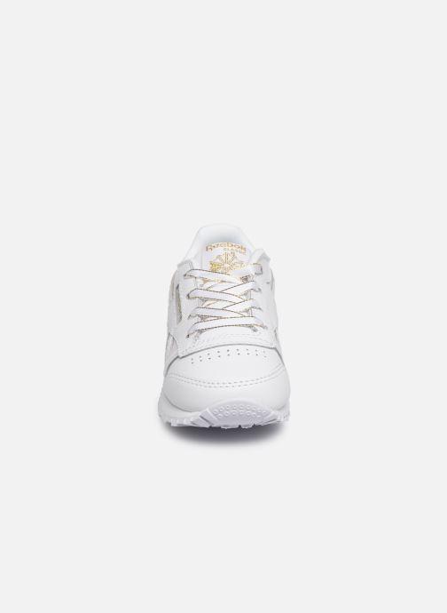 Sneakers Reebok Classic Leather I Bianco modello indossato