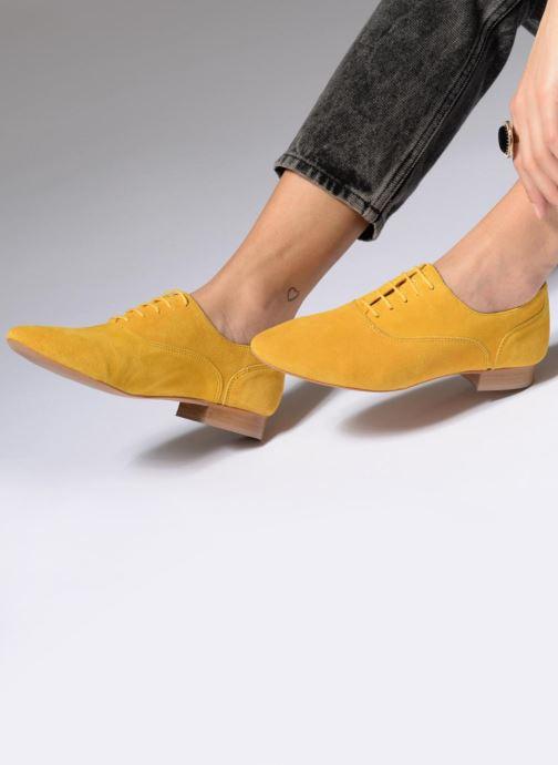 Schnürschuhe Made by SARENZA Carioca Crew Chaussures à Lacets #2 gelb ansicht von unten / tasche getragen