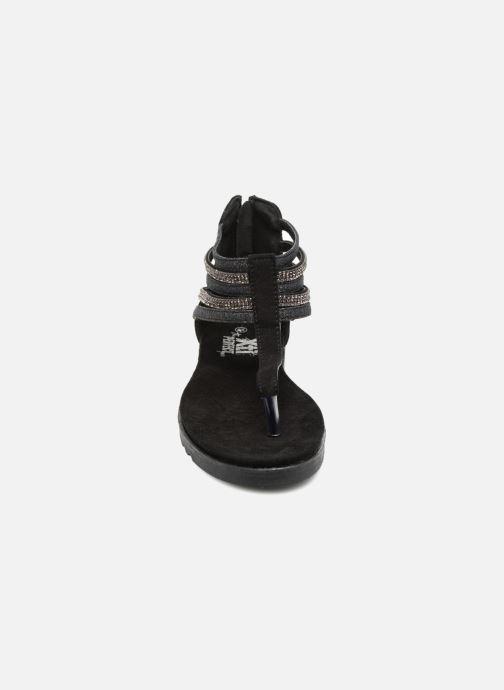 Sandales et nu-pieds Xti Amelia Noir vue portées chaussures