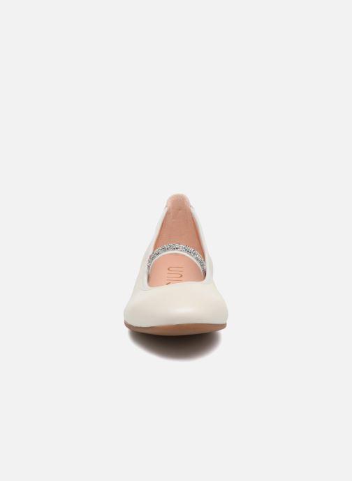 Ballerines Unisa Dister Blanc vue portées chaussures
