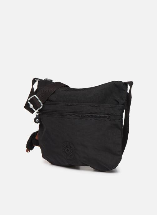 Handtaschen Kipling Arto schwarz schuhe getragen