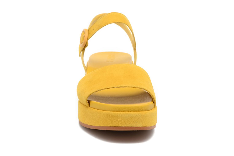 Sandales et nu-pieds Camper Misia 2 Jaune vue portées chaussures